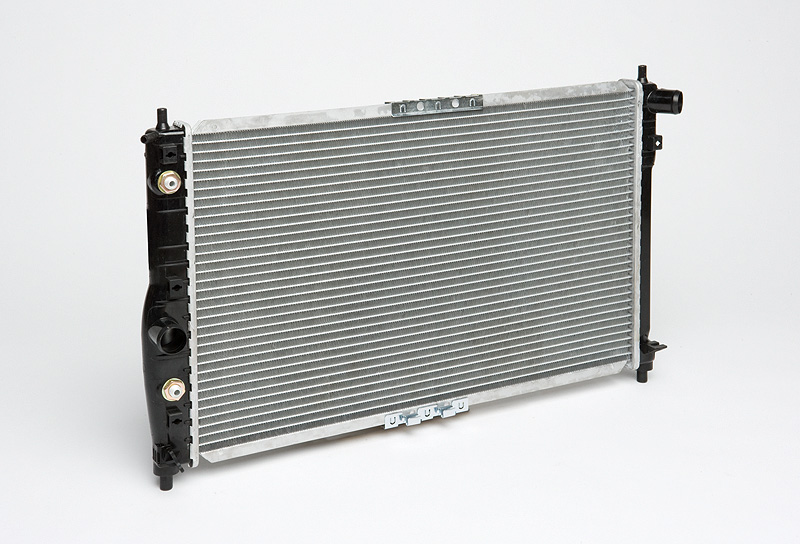 Радиатор охлаждения Leganza (97 )/Nubira (99
