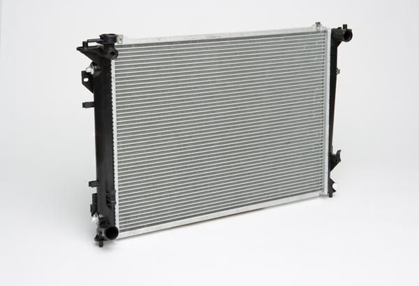 Радиатор охлаждения для автомобилей Sonata (05-) 2.0i/2.4i/3.3i AT LUZAR фото